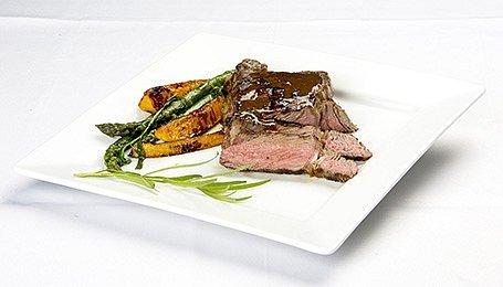 Rib eye steak s tekvicou hokaido a špargľou